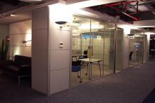 青岛办公室装修设计:经典艺术装饰工程有限公司