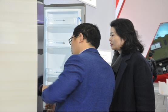 """美菱亮相首届工业设计展 """"黑科技""""强势聚焦"""