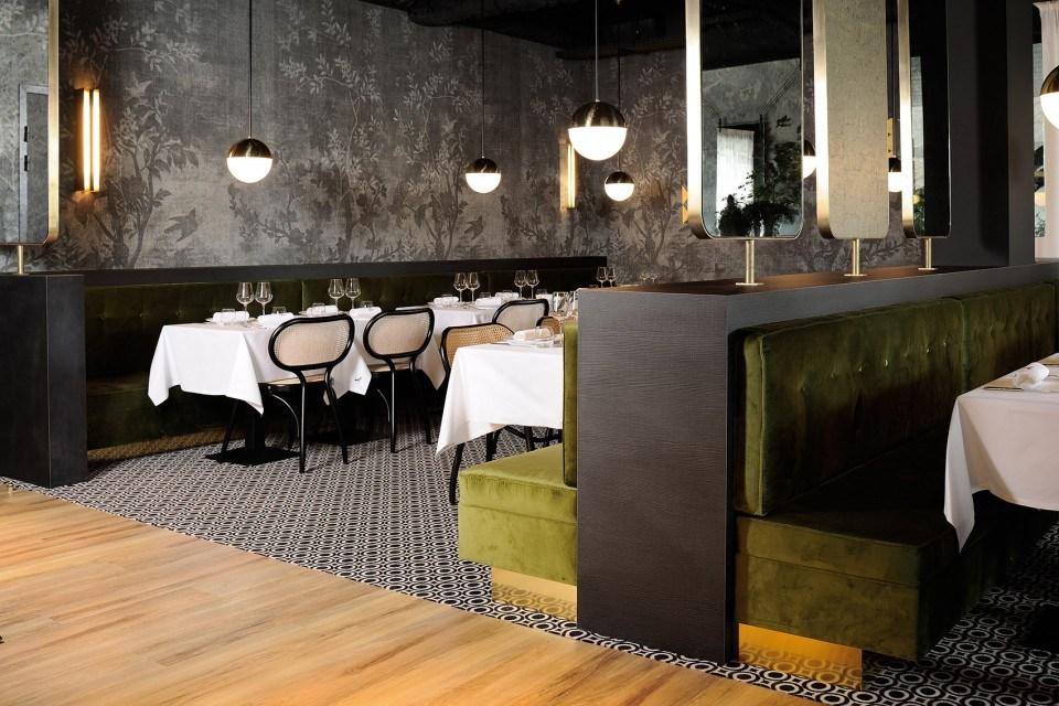 里昂La Foret Noire餐厅室内设计