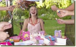 生日宴邀请短信怎么写?生日宴会邀请函怎么写?