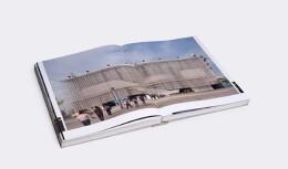一册精美的国外书籍书刊设计欣赏